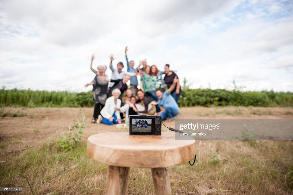 Family members posing for group portrait : Stockfoto