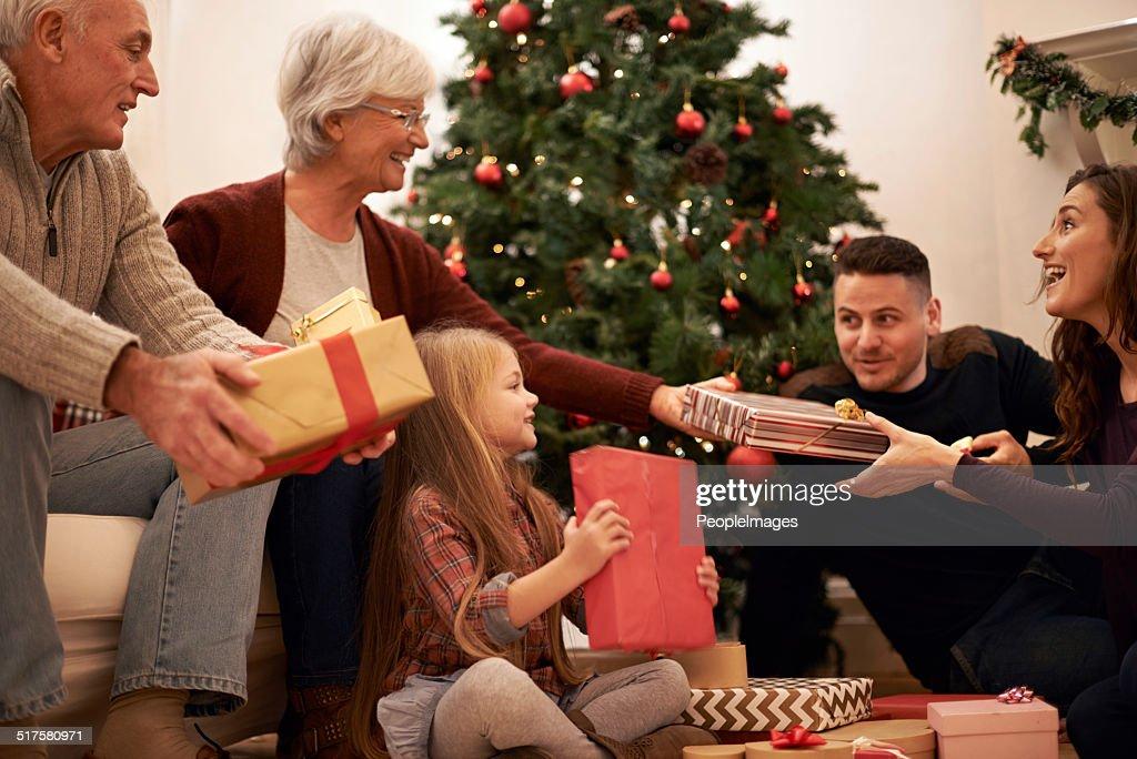 ご家族のクリスマスタイムのひととき : ストックフォト