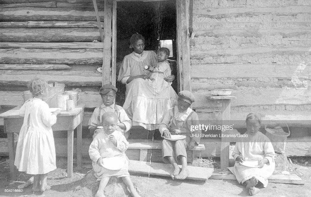 Family Of African-American : News Photo