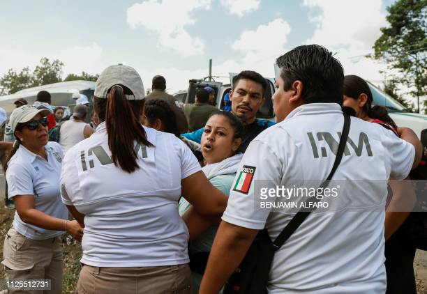 A family of Central American migrants with expired humanitarian visas are detained by agents of the Migration National Institute in Ciudad Hidalgo...