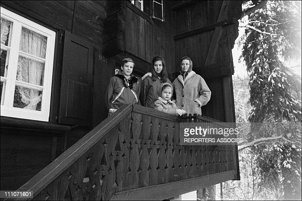 Family Of Monaco Skiing At Gstaad Prince Albert Princess Caroline Princess Grace And Princess Stephanie In Gstaad Switzerland On February 1969