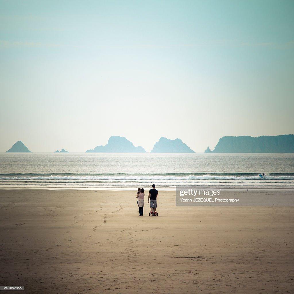 Family on a beach : Photo