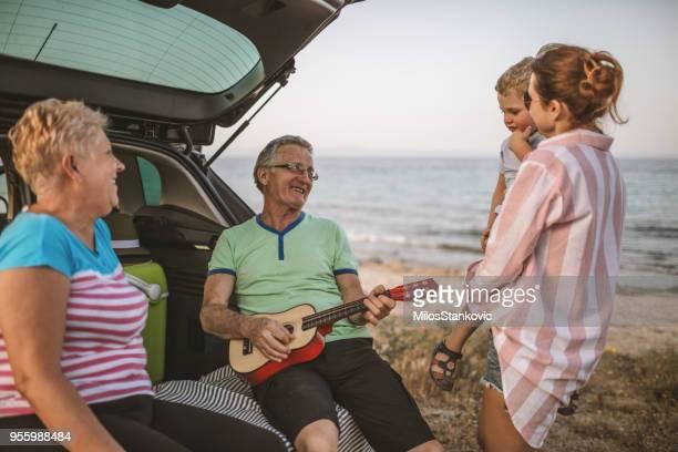 Familie auf einen Sommerurlaub