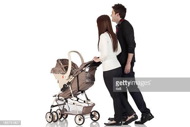 Famille sur une marche