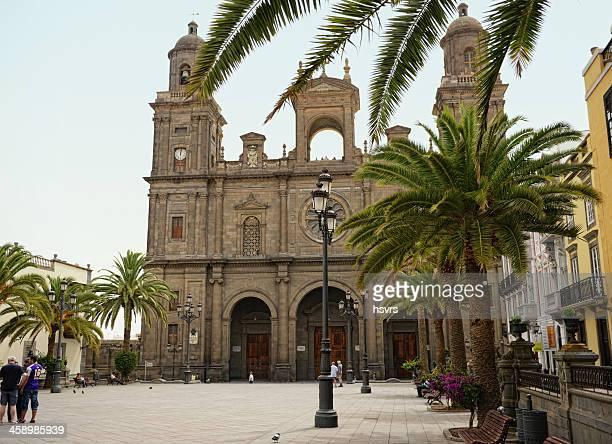 family on plaza santa ana las palmas de gran canaria - las palmas cathedral stock photos and pictures