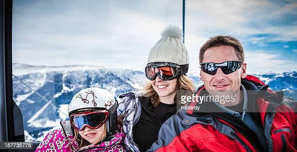 Familie ski-in-ski-Seilbahn