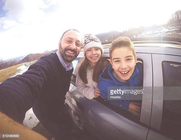 Famille sur la route
