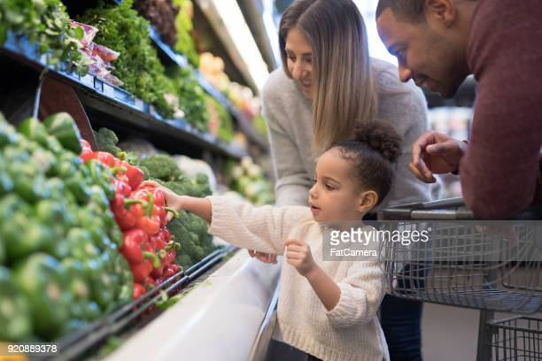 family outing to the grocery store - freshness stock pictures, royalty-free photos & images