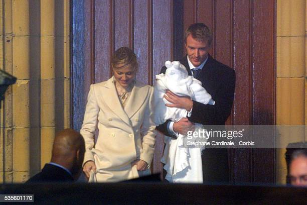 Madonna Guy Ritchie and Rocco in Dornoch Cathedral