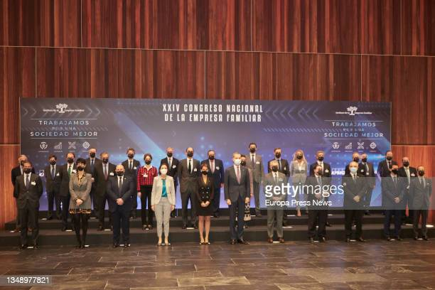 Family photo, the Minister of Industry, Trade and Tourism, Reyes Maroto ; the Secretary General of the PSN, Maria Chivite and King Felipe VI , pose...