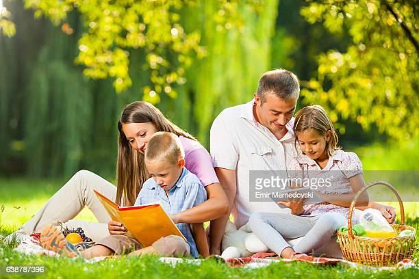 Familie Picknick im park