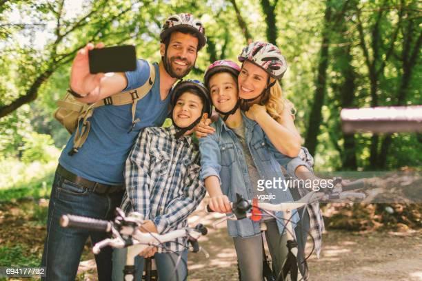 Vélo équitation famille