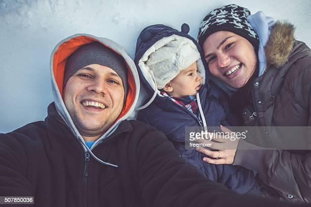 Famille selfie dans la neige