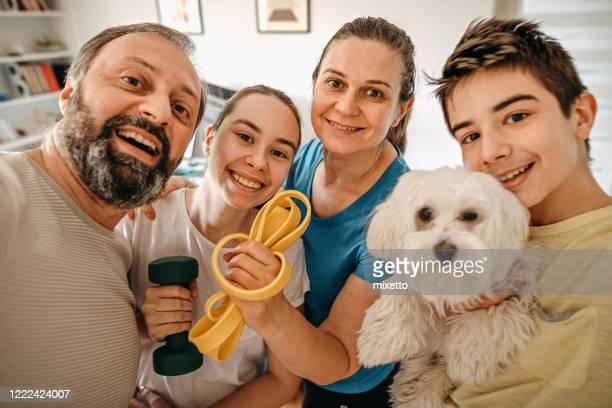 familie selfie - vier personen stockfoto's en -beelden