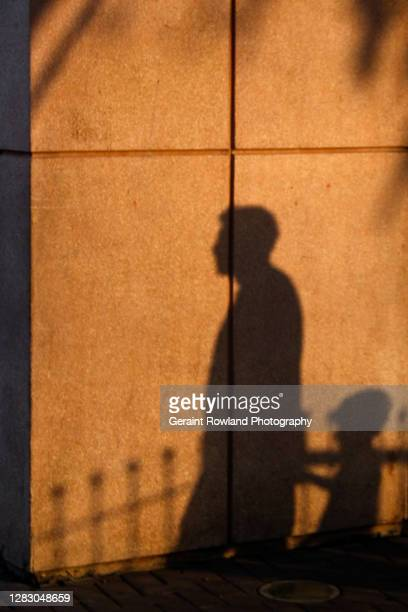 family shadows - lima stock-fotos und bilder