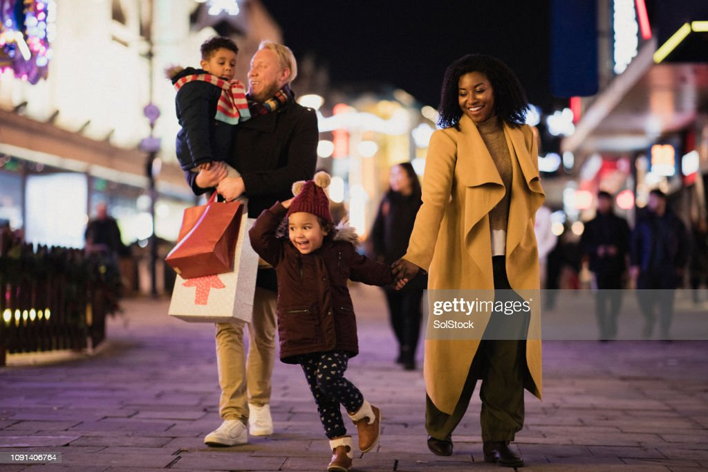 Family Shopping in the City : Stock Photo