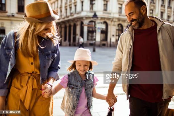 家庭購物 - mom flirting 個照片及圖片檔