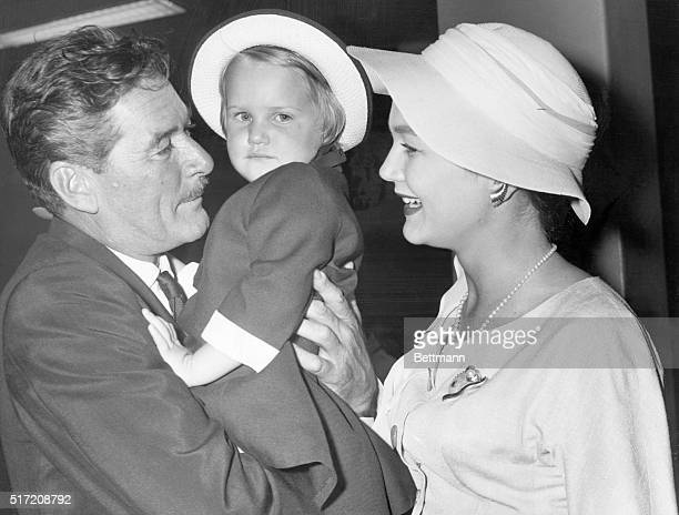 1958 A family shot of Errol Flynn with his wife Patrice Wymore and their daughter Arnella