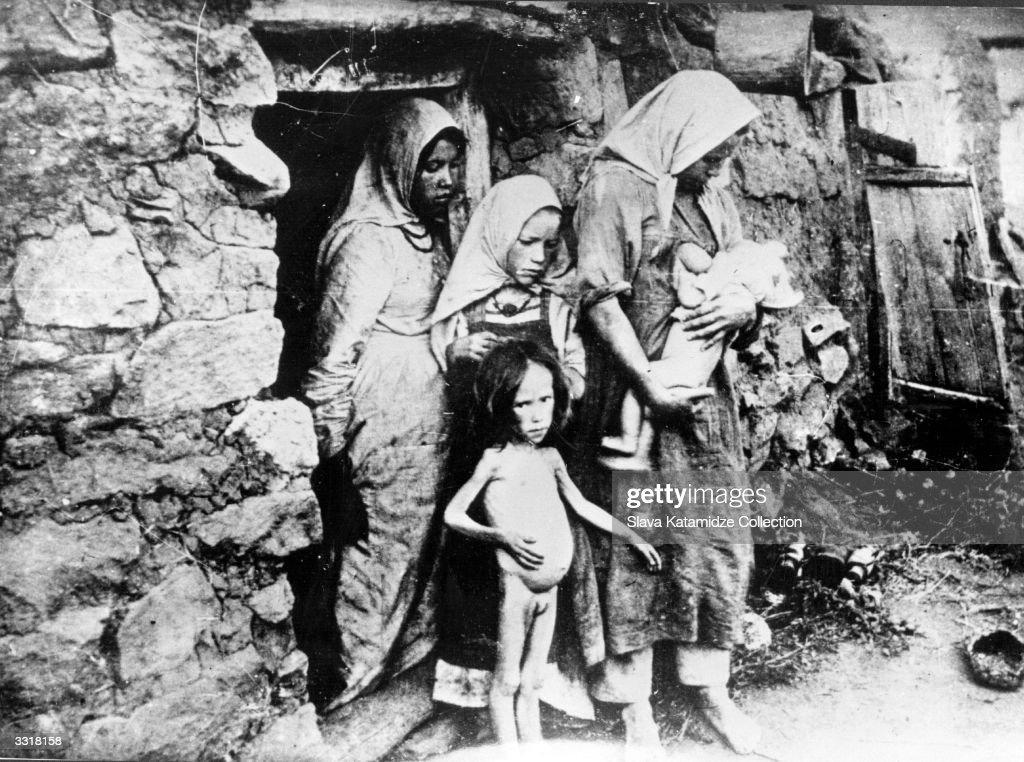 Famine In Volga : News Photo
