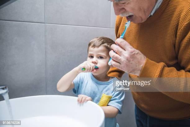 Familienzeit Zähneputzen