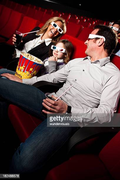 Tiempo con la familia en la sala de cine
