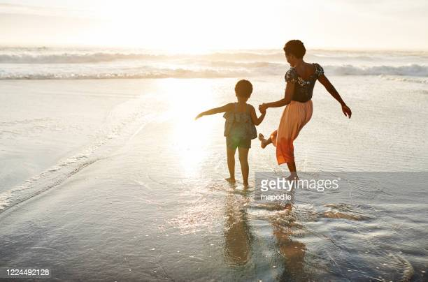 family time is fun time - vacations stock pictures, royalty-free photos & images