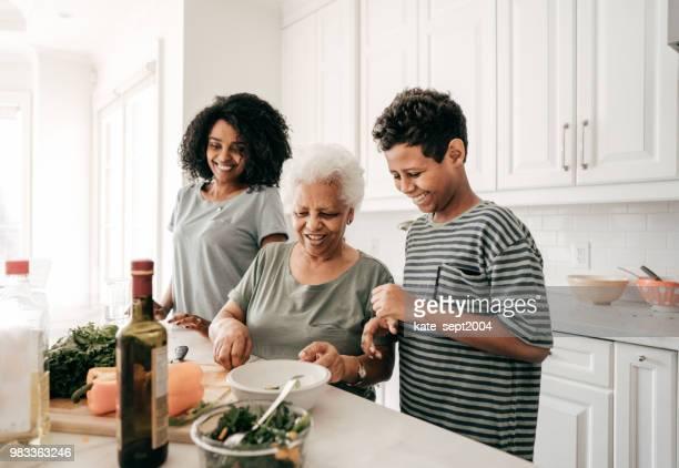 tradições de família - avó - fotografias e filmes do acervo