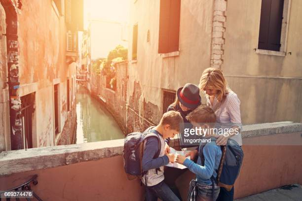 family visiting venice, italy - city break stock pictures, royalty-free photos & images