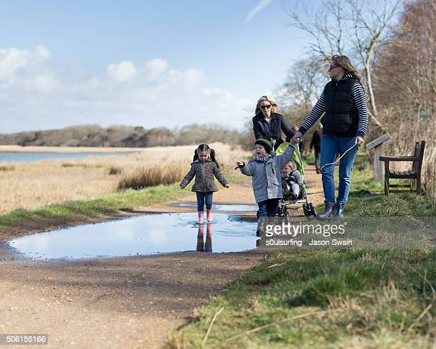 a family walk along the river yar, isle of wight - yarmouth isle of wight stock pictures, royalty-free photos & images