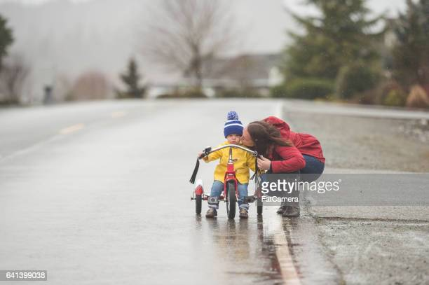 Familienwanderung im Regen