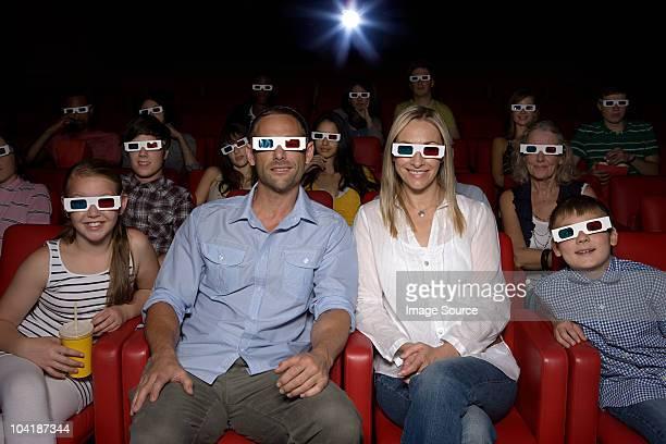 Familie watching - 3d-Filme im Kino