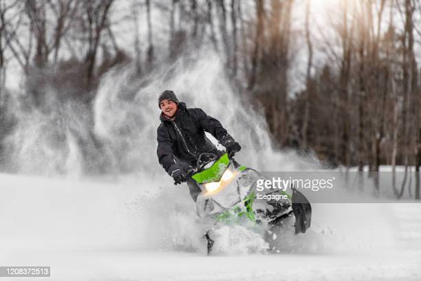 family weekend in winter - winter sport stock pictures, royalty-free photos & images