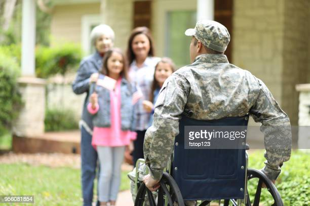 Family welcomes home USA army soldier.