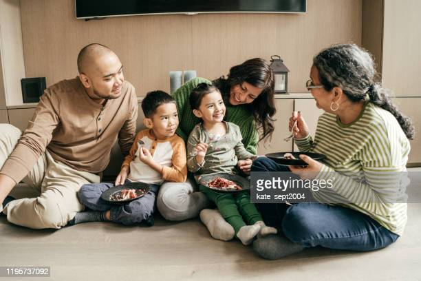 family with two kids - ontario canada stock pictures, royalty-free photos & images