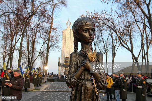 Famine victims memorial in Kyiv November 28 2015 On November 2829 Ukraine honors the memory of the victims of the great famine Holodomor of 1932 –...