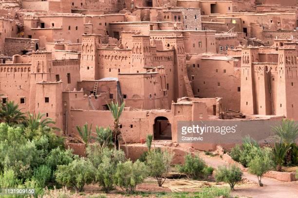 famous ait benhaddou kasbah in morocco - marrakesh foto e immagini stock