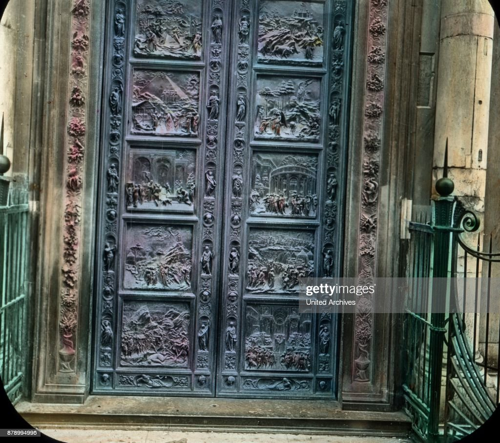 Famous are the bronze doors of Ghiberti and Andrea Pisano. The most beautiful goal against & Bronze doors of Ghiberti and Andrea Pisano. Pictures | Getty Images