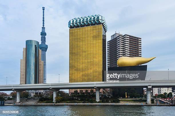 Asahi ブルワリーズ HQ で有名な東京