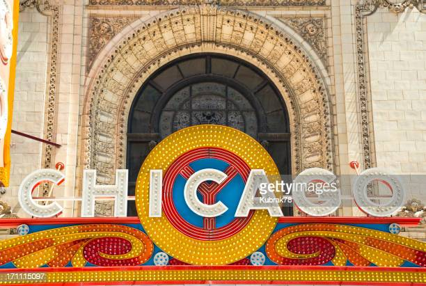 famous chicago theater sign - chicago theater stock pictures, royalty-free photos & images