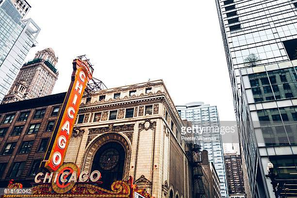 famous chicago theatre in downtown. - chicago theater stock pictures, royalty-free photos & images