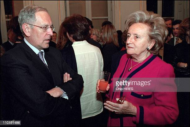 Famous french journalist Robert Namias decorated by Minister of culture Jack Lang in Paris France on December 22 2002 In photo Patrick Le Lay Mrs...