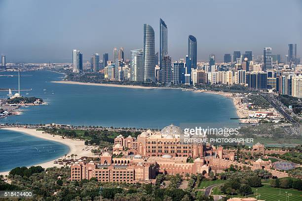 famous hotel in abu dhabi - abu dhabi stock pictures, royalty-free photos & images