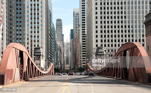 famous lasalle street bridge - chicago illinois stock pictures, royalty-free photos & images