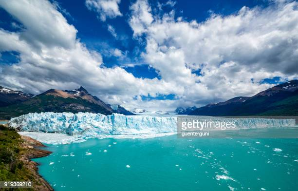famous perito moreno glacier in patagonia, argentina - los glaciares national park stock pictures, royalty-free photos & images