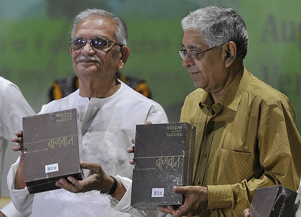 Famous Poet Lyricist Film Director Gulzar and VC Arun Grover releasing book at Panjab University on August 24 2016 in Chandigarh India