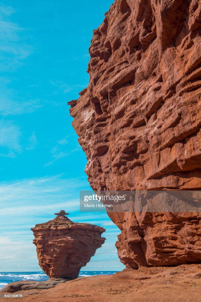 Famous Red Iron Ore Teapot Erode Rock Formation To The Left With Big ...