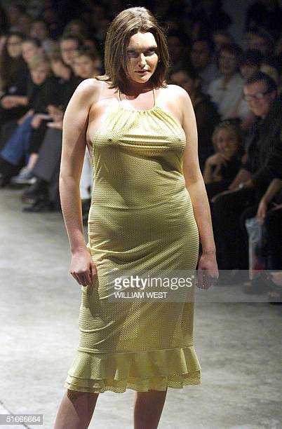Famous size 12 model Sophie Dahl wears the latest fashion from Australian label Lili at the Sydney Fashion Week 12 May 1999 Australia's top designers...