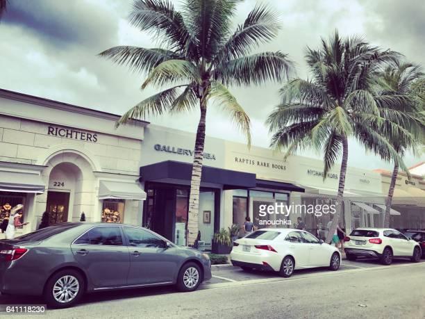 beroemde waard avenue, winkelstraat, palm beach, verenigde staten - palm beach county stockfoto's en -beelden