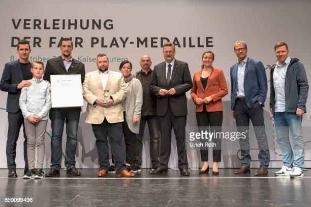 Fan ambassador Nicole Meier with Fans from the TSV Havelse with Miroslav Klose DFB President Rheinhard Grindel Inka MullerSchmah Guido Buchwald and...