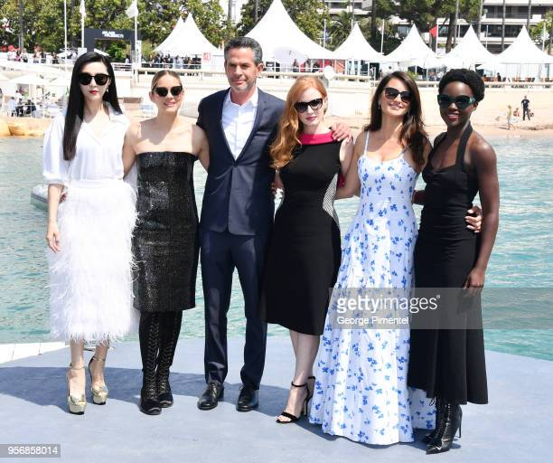 Fan Bing Bing Marion Cotillard director Simon Kinberg Jessica Chastain Penelope Cruz and Lupita Nyong'o attend the photocall for '355' during the...